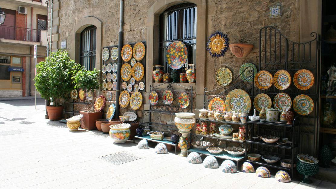 La ceramica di Santo Stefano di Camastra